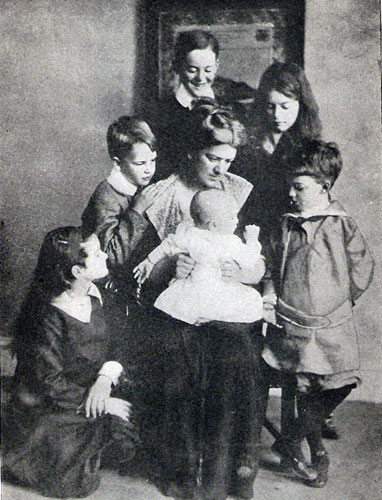 Crompton Family, taken not long before the tragedy